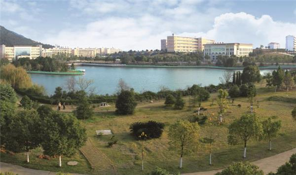 """江西省西山学校:积极创建""""美丽校园""""打造优质育人环境"""
