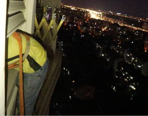 818期间空调大忙,苏宁服务工程师跑27个小区,修30台空调