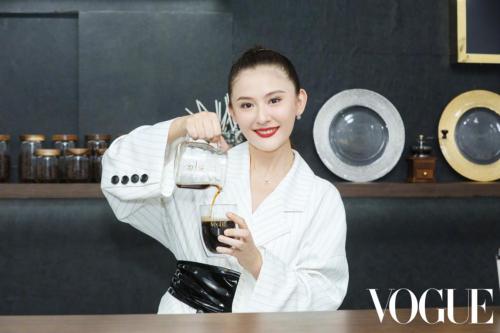 体验城市新灵感 社交让人变美 Vogue Salon邂逅深圳打造夏日时尚空间
