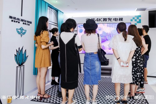 100位时尚编辑告诉你,如何打造时尚客厅!