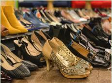 力撑KuToo运动,送出327双高跟鞋, 7or9的底气来自哪儿?