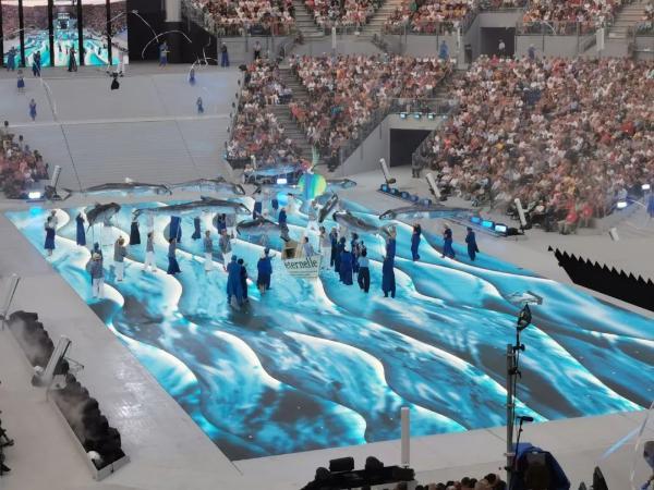 这个世界文化遗产节日,艾比森LED地砖屏化身艺术舞台