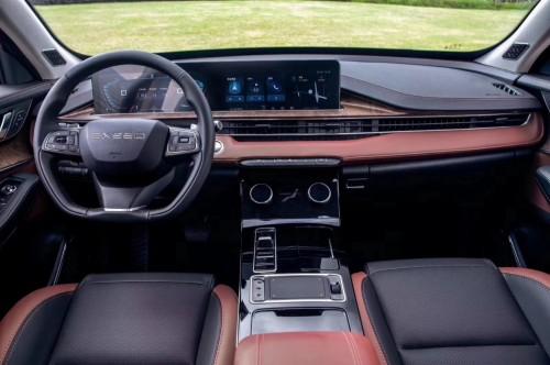 搭载东软C4 Pro智能座舱 EXEED星途LX首发预售