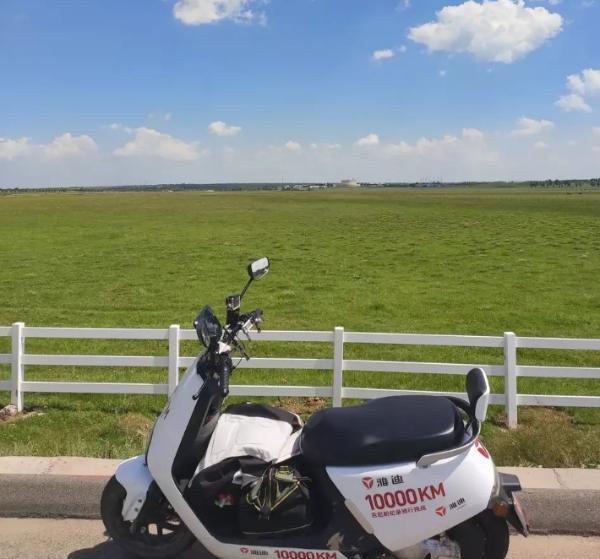 雅迪成功挑战吉尼斯世界纪录,骑电动车保护绿水青山