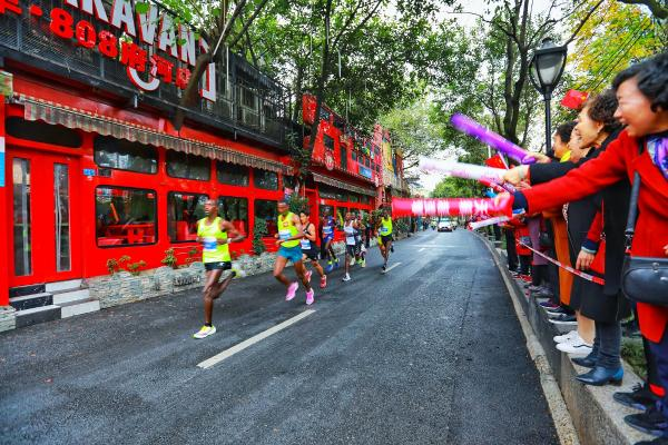 国内首个大满贯候选赛事 2019东风日产成都马拉松今日开跑