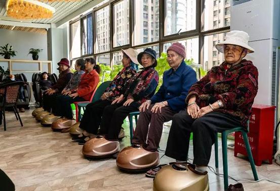 权甫居家养老服务中心 关爱失地老人从吃好一餐饭开始