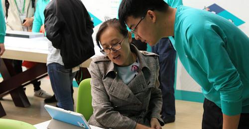 智能课堂,教学创新 青鹿亮相第77届中国教育装备展