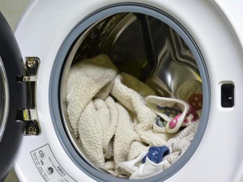小吉水珠壁挂洗衣机,让洗衣成为一门艺术