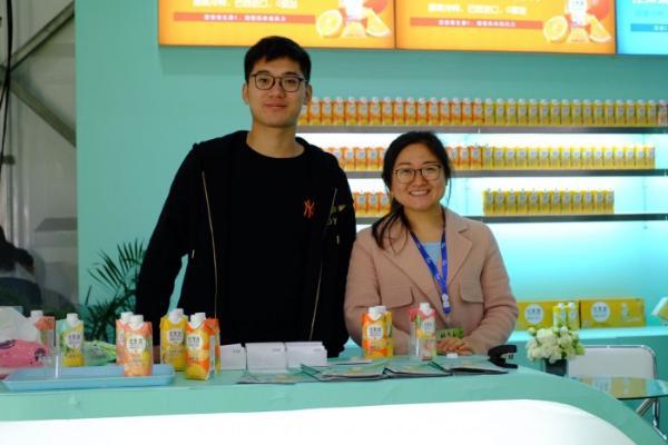蔬果大亨晋升果汁达人   佳果源100% NFC菠萝汁,引领果汁潮饮新风尚