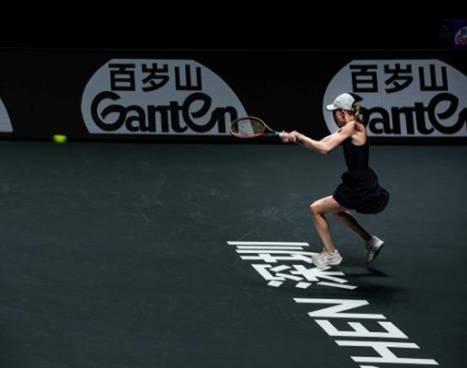 """""""大长腿""""太好看,百岁山""""忍不住""""给WTA球员们拍海报"""