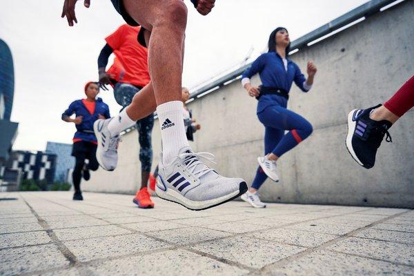 阿迪达斯发布ULTRABOOST 20限定款跑鞋