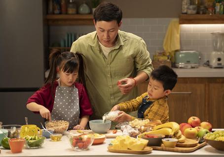 """用营养成就更好的未来 雀巢健康儿童呼吁""""一起做饭吧"""
