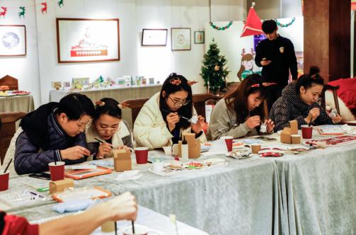 IN麦德氏举办吸猫大会,与苏州宠主共迎圣诞