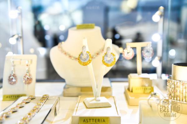 珠宝新风尚,国风新浪潮,MATRO GBJ在2019芭莎珠宝国际设计师精品展大显珠宝集合魅力