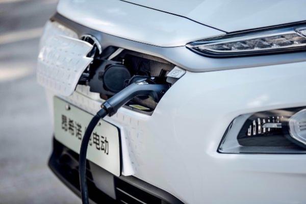 4万元置换补贴,用合资燃油车的价格购买新能源纯电动