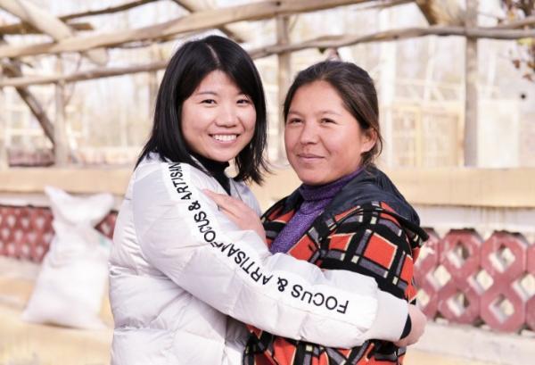 情暖寒冬与爱同行 金一文化携手新疆国投进行爱心扶贫公益