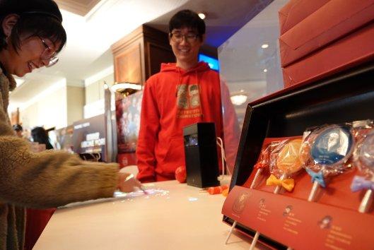 哈奇智能亮相《唐人街探案3》新春家宴现场 中国智造首秀软实力