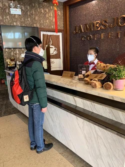 """一起战""""疫""""丨喆啡酒店投资人王伟标:我是40年的老党员,应当冲在前面"""