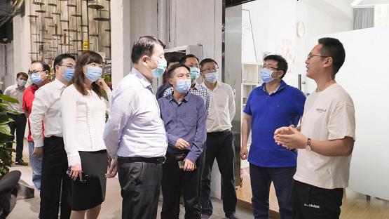 西安市委常委、宣传部部长一行视察红人装