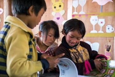 """累计捐赠25万余本图书,世界读书日""""小积分 微慈善""""为贫困儿童带来温暖"""