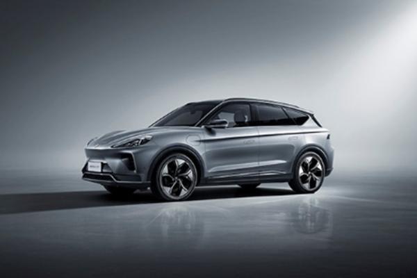 奋进新时代 迈向高质量发展的新能源汽车