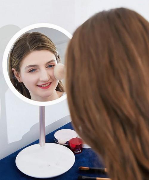 """化妆界的新晋网红:斐色耐LED化妆镜,把日光""""搬""""进梳妆台!"""
