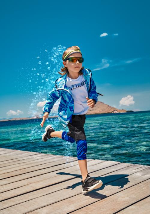 安踏儿童黑科技来袭 智能透干守护儿童夏日顽力