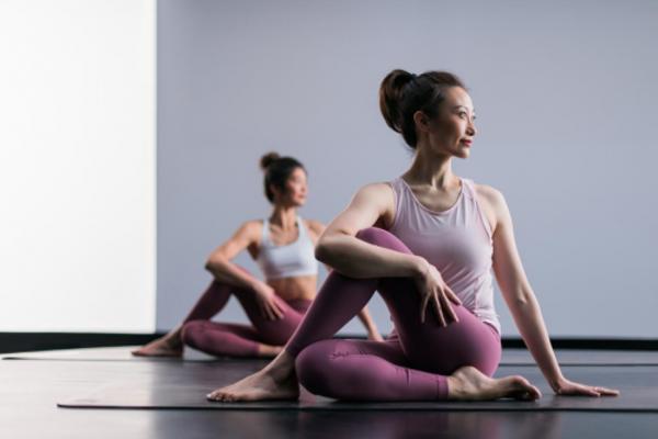 lululemon推出全新12节线上视频运动跟练课程