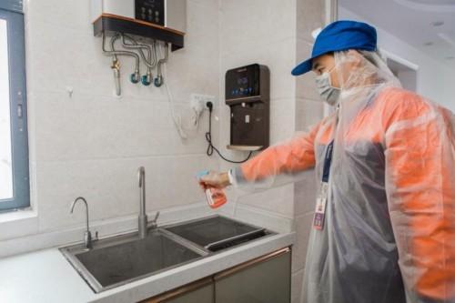 黄晓明做客蘑菇屋遭遇冰雹天气,万和零冷水温暖向往的生活
