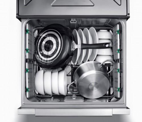 """疫情下洗碗机""""健康出圈"""",华帝用烘干、长效抑菌刷新行业标准"""