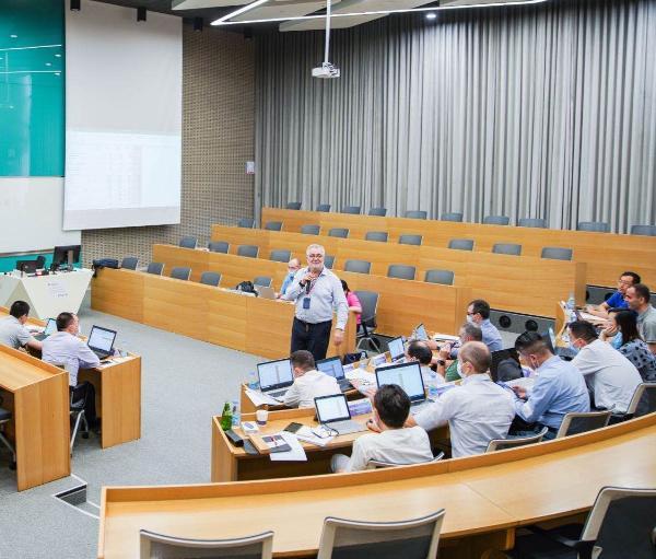 西浦国际商学院(IBSS):高管培训启动企业尖端人才打造引擎