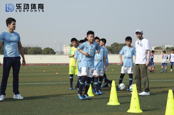 攻击型中场如此受欢迎,乐动体育教你如何顺应足球潮流