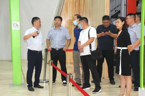 保定市项目考察组到访博锐体育,参观交流携手并进