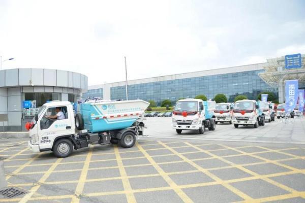 绿色智能收运装备 护航内江城乡垃圾分类