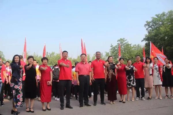 """安博翔宇中学民族教育""""使者""""入围""""中国好人榜""""候选人"""