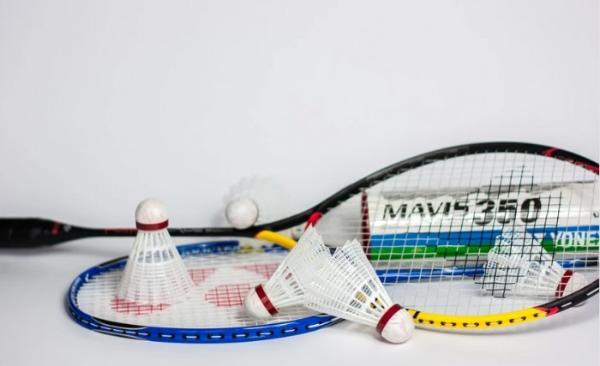 如何选择羽毛球品牌?上YONEX 微店了解一下