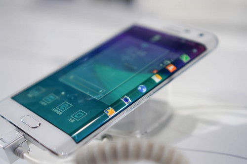 洛克手机切膜机为何能成为手机贴膜行业主流?
