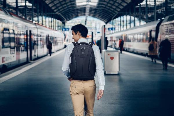 黑科技加持,助力从容差旅——Wenger威戈德莱蒙系列双肩背包
