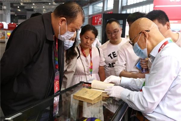 新时代女排精神暨首次中国排球历史珍藏品展成功举办