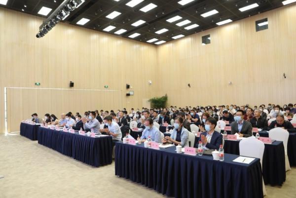 信息技术应用创新解决方案研讨会 在经开区国家信创园召开