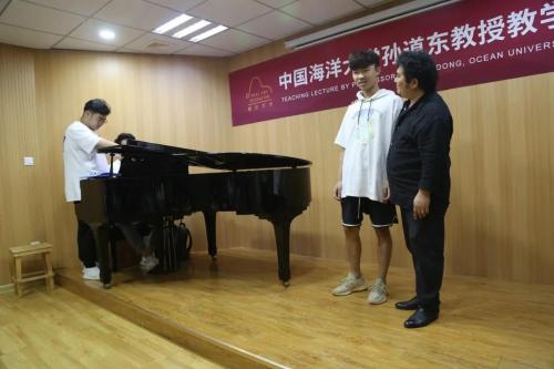 著名男高音孙道东教授莅临睿尔艺术学校授课,漫游音乐国境