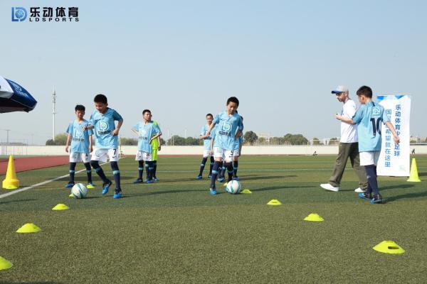 在乐动体育练习足球没有捷径,坚持就是一切!