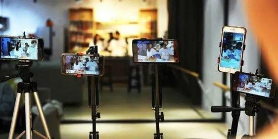 如何玩转直播、短视频、跨境电商?中玩协四展分享新零售实用干货