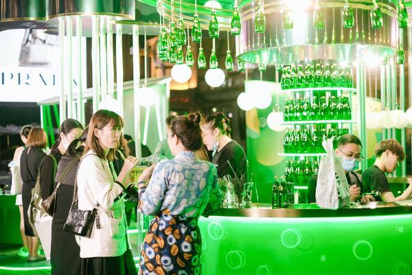 """Perrier巴黎水「泡出活力」北京站正式开启 中西碰撞,演绎""""怪趣老泡儿"""""""