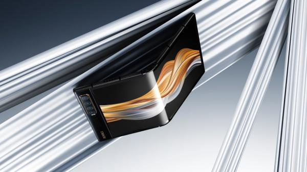 国产折叠屏手机为何成功出圈?FlexPai 2价格优势率先成为普及先锋