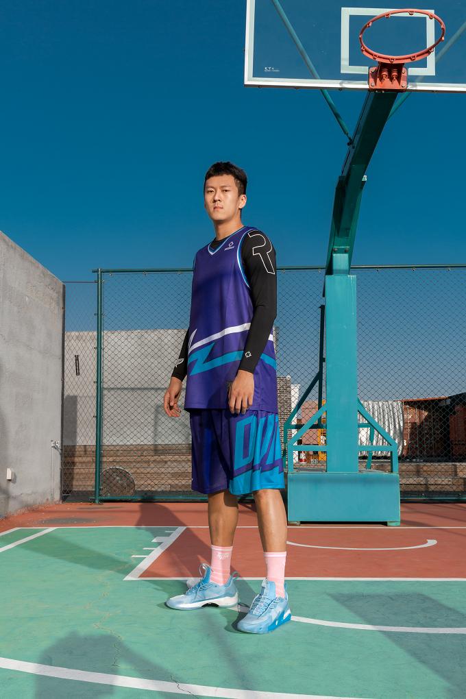 《这就是灌篮3》引领篮球热潮,准者专属定制服装传递拼搏精神