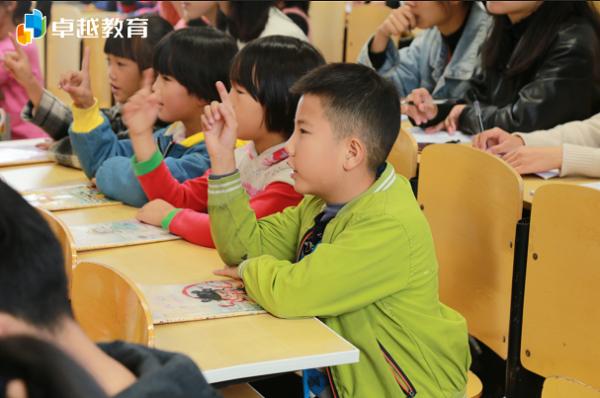 """为乡村孩子""""上一节好课""""!卓越名师送教下乡,助力乡村语文素养教育"""