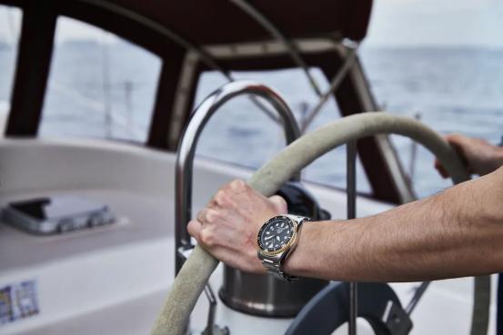 东方双狮打造商务运动两不误腕表,助你乘风破浪