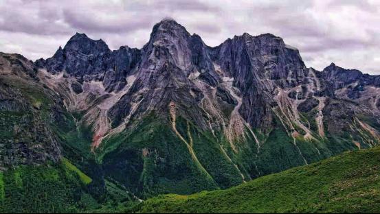珠峰新高发布 长城炮与登山家孙斌以攀登者精神致敬巅峰