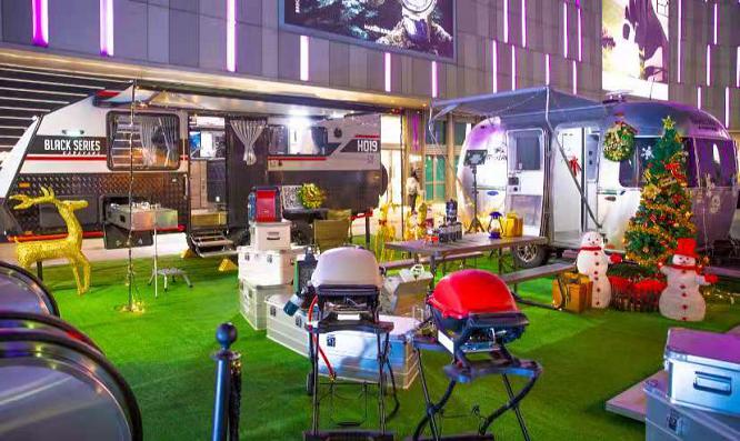 露营大会+圣诞狂欢—房车露营引领港城新风尚